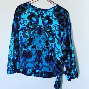 Dana Buchman Pretty Blues Tie Front Top